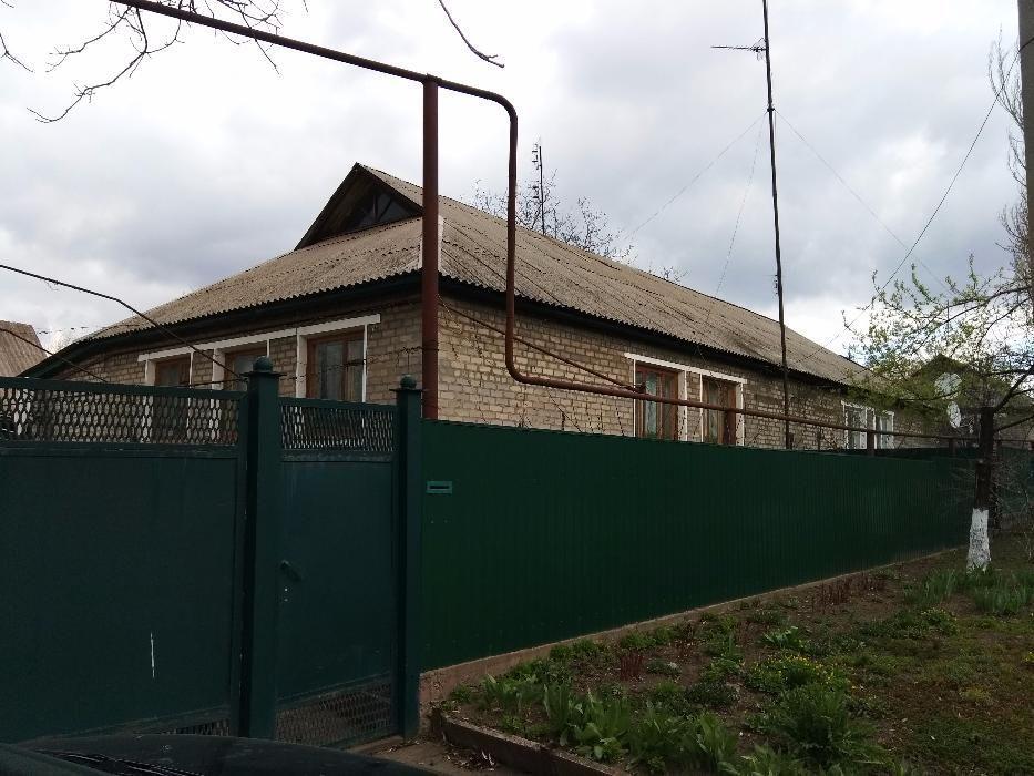 Продам отличный дом 100 кв.м(10соток), гараж, сауна, бассейн, л.кухня
