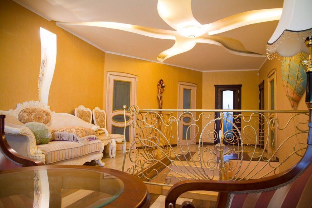 Продаётся стильный дом в центре города Донецка!