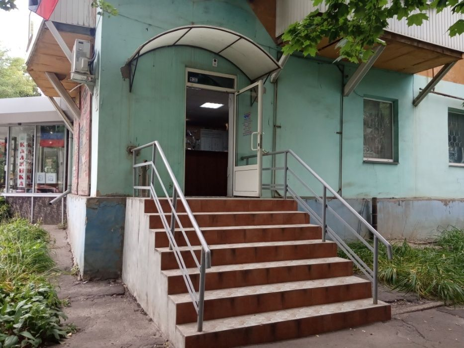 Аренда: Торговое помещение - 90 м.кв., б.Шахтостроителей, КЛН- рынок