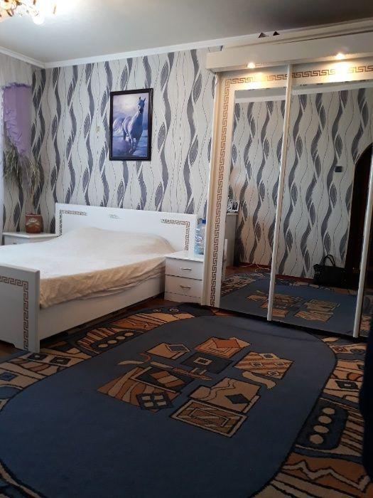 Сдам отличную 2-х комнатную квартиру в Центре Макеевки. 6500 руб.