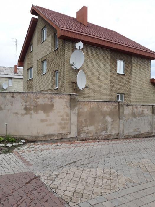 Продам дом в трех уровнях