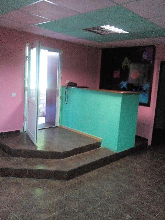 Продам -офисное помещение в районе Дока