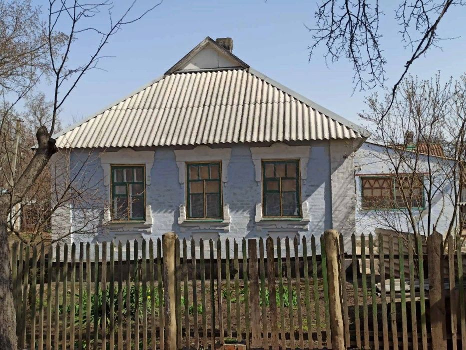 Продам добротный дом в Кировском р-не (центр Семашко)
