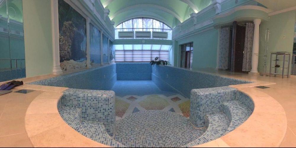 Продажа шикарного Дома-усадьбы с бассейном на Широком