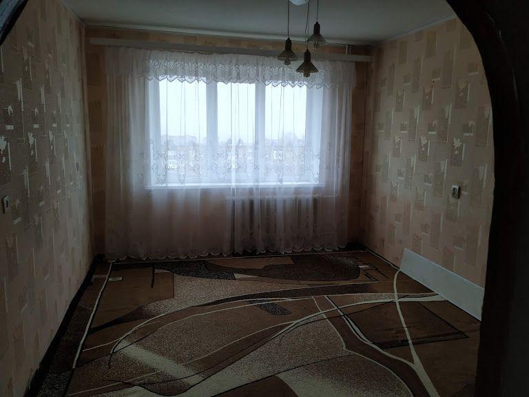 Продам трехкомнатную квартиру в Харцызске