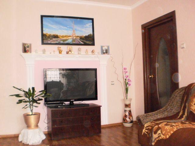 Продам 2-х комнатную квартиру м-н металургов 49 г.Харцызск