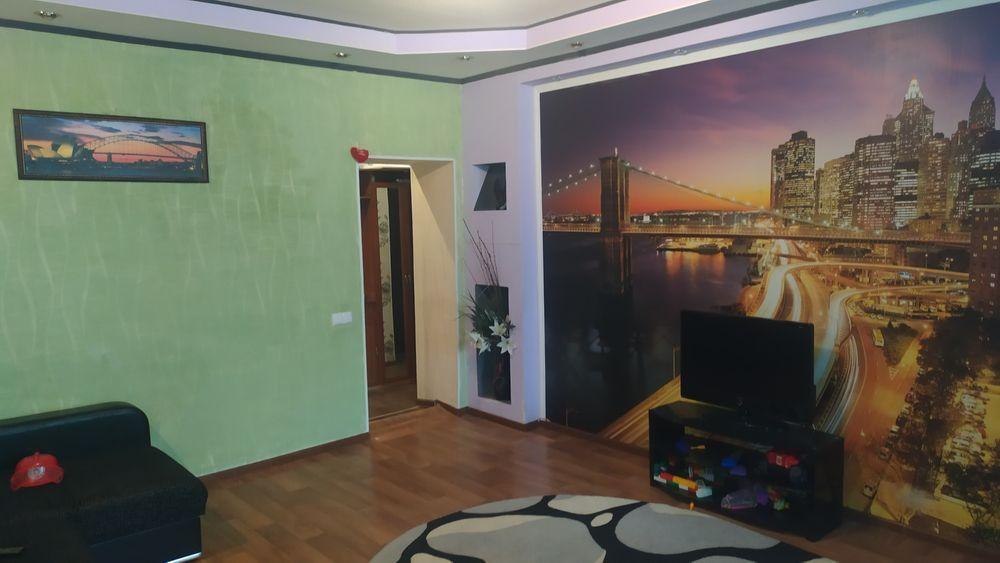 Продается двухкомнатная квартира в районе металлтехникума Г. Енакиево