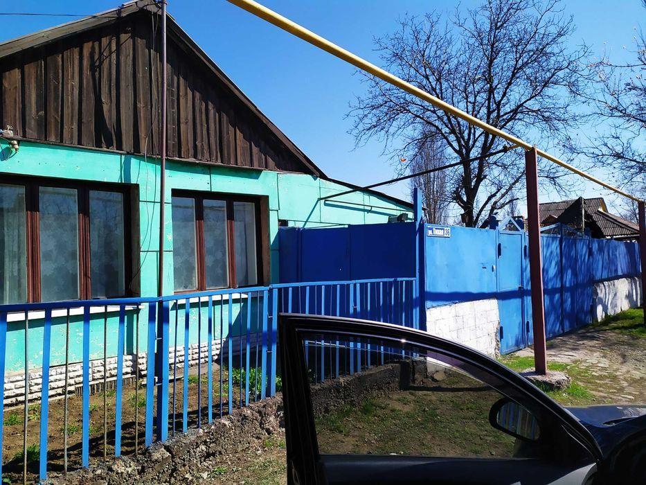 Продам дом в центре Енакиево