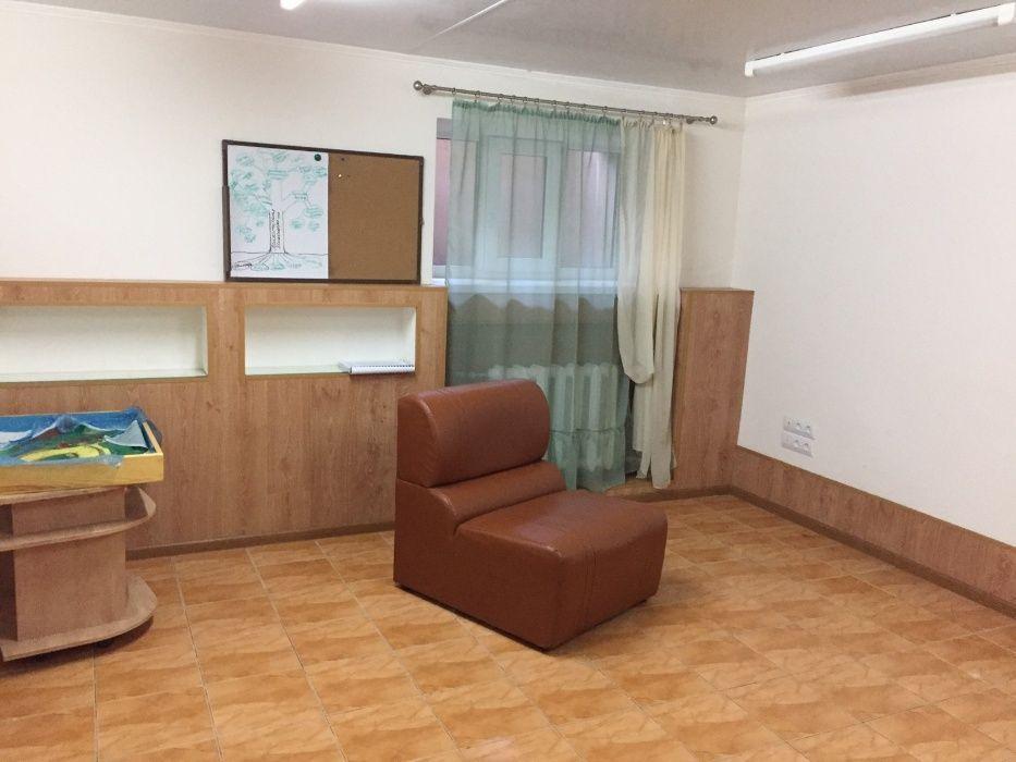 Продам офисное помещение площадь Ленина