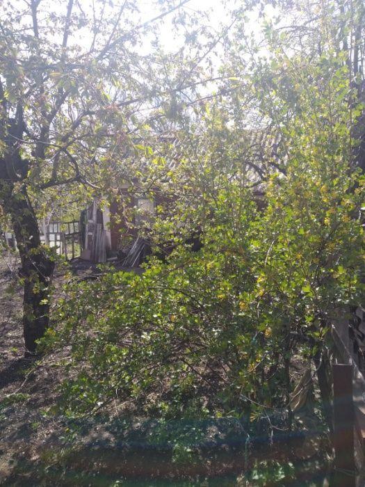 Продам ветхий домик с участком Кировский. Пе тровского.Сокол