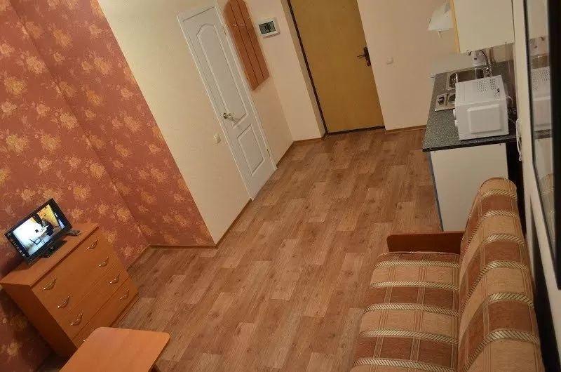 Двухкомнатная квартира в общежитии возле центра.