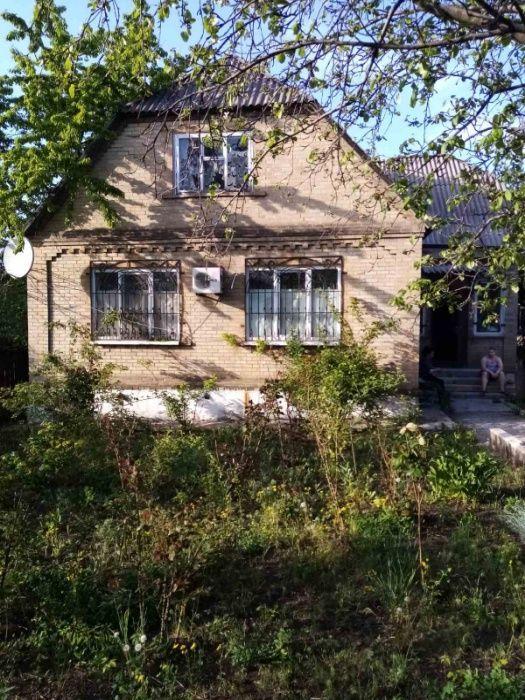 Продается 2 этажный дом.